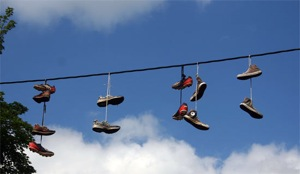 Shoes-hanging-from-power-lines.jpg
